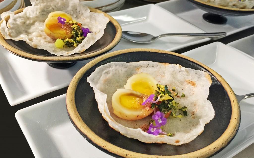 003A Tea quail egg hopper