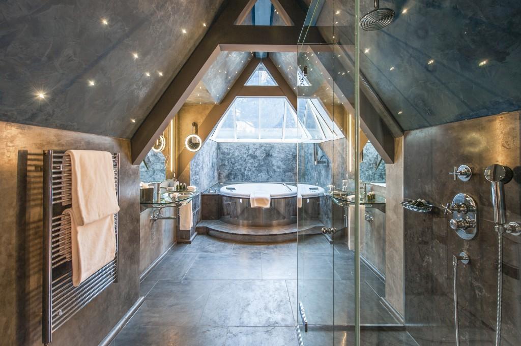Suite Etoile Bathroom